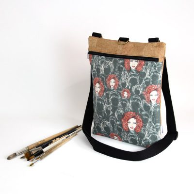Bolso y mochila estampada