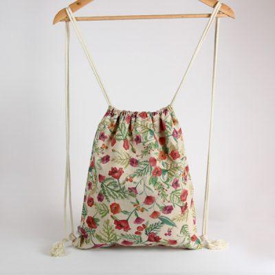 mochila de tela hecha a mano
