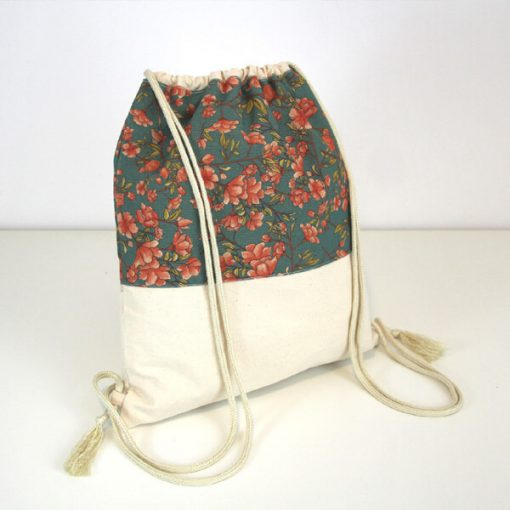 mochila de playa floral