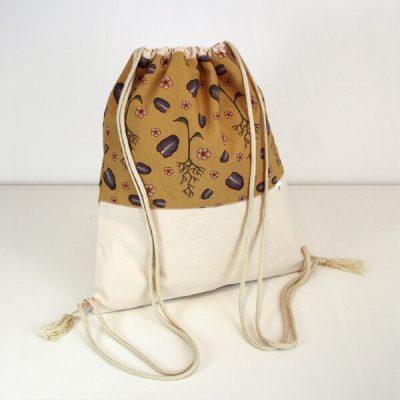 mochila juvenil estampada